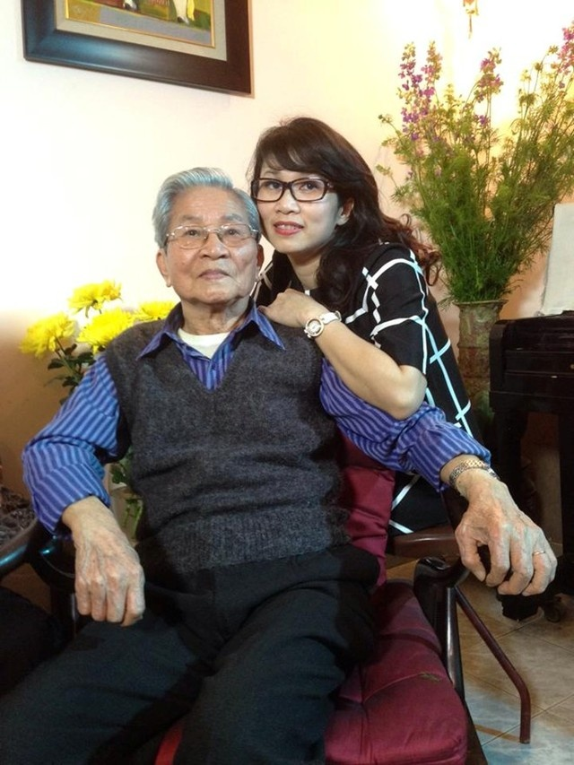 Gia dinh be the it biet cua nhung BTV nha nghe VTV hinh anh 1 NSND Đình Quang và con gái - MC, BTV Mỹ Linh.