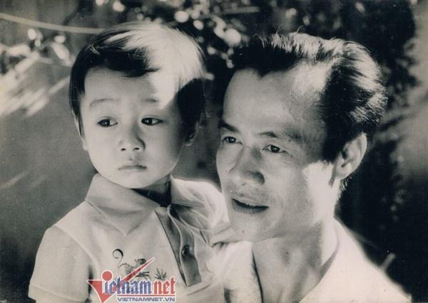 Gia dinh be the it biet cua nhung BTV nha nghe VTV hinh anh 8 Bố anh là giáo sư âm nhạc, nguyên Phó giám đốc Nhạc viện Hà Nội - Vũ Hướng.