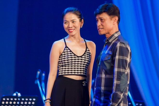 Danh ca Tuan Ngoc - Le Quyen tap luyen cho live show hinh anh