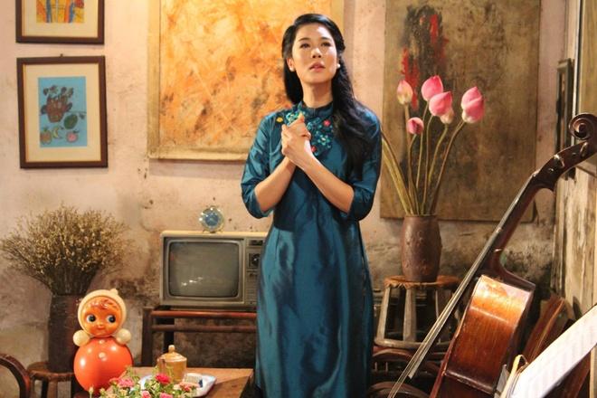 Thu Phuong hat ve noi dau co that cua Tu Dua hinh anh 1 Thu Phương chìm ngập trong không gian đầy chất thơ của Hà Nội xưa.
