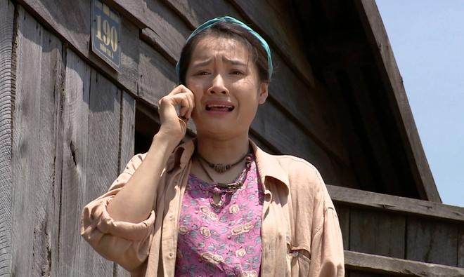 Nha Phuong suyt mat mang vi cuu nguoi yeu trong phim hinh anh 1