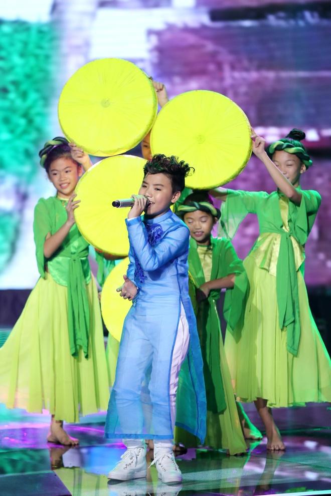 Cong Quoc canh tranh Hong Minh ngoi quan quan The Voice Kids hinh anh 2