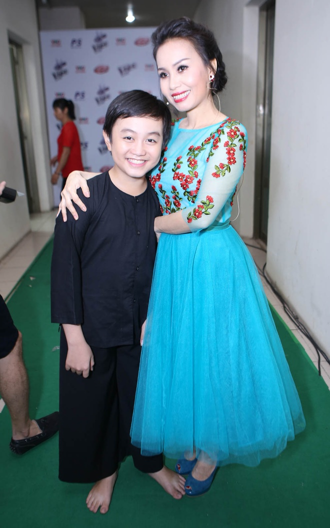 Quang Anh mac sanh dieu di xem The Voice Kids hinh anh 8