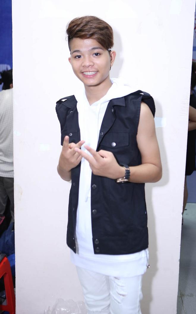 Quang Anh mac sanh dieu di xem The Voice Kids hinh anh 3