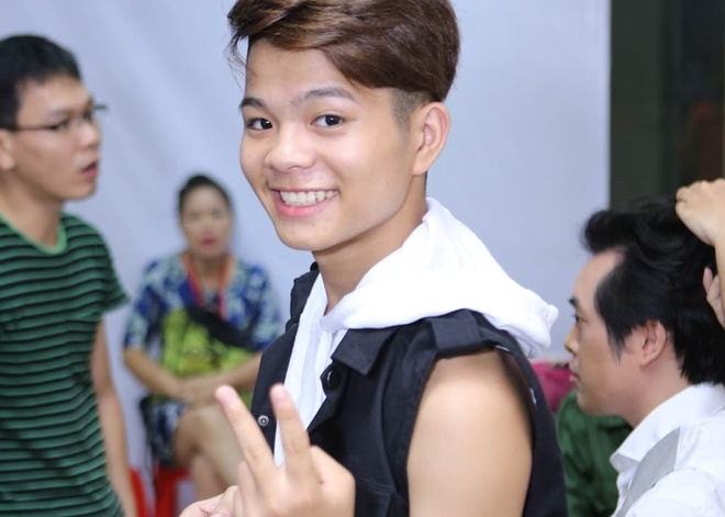 Quang Anh mac sanh dieu di xem The Voice Kids hinh anh