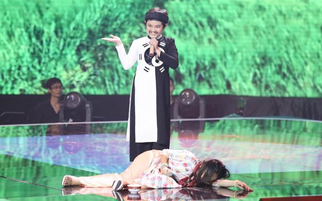 Tai tu nhi The Thanh bi loai du duoc khen xuat sac hinh anh 2 Ngoài phần hát, 2 giọng ca nhí còn có diễn xuất tự nhiên, đáng yêu.