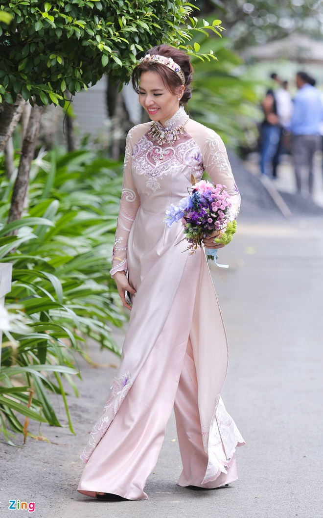 Victor Vu nam chat tay Dinh Ngoc Diep trong dam hoi hinh anh 15 s