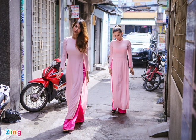 Victor Vu nam chat tay Dinh Ngoc Diep trong dam hoi hinh anh 4 s