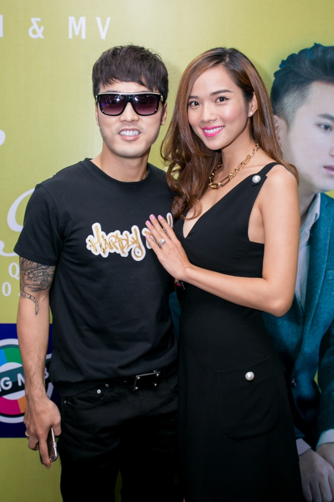 Ung Hoang Phuc dut cho Kim Cuong an giua hop bao hinh anh 2 s