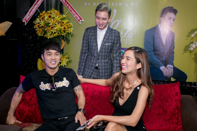Ung Hoang Phuc dut cho Kim Cuong an giua hop bao hinh anh 3 s
