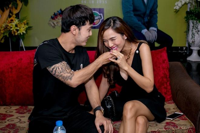 Ung Hoang Phuc dut cho Kim Cuong an giua hop bao hinh anh 4 s
