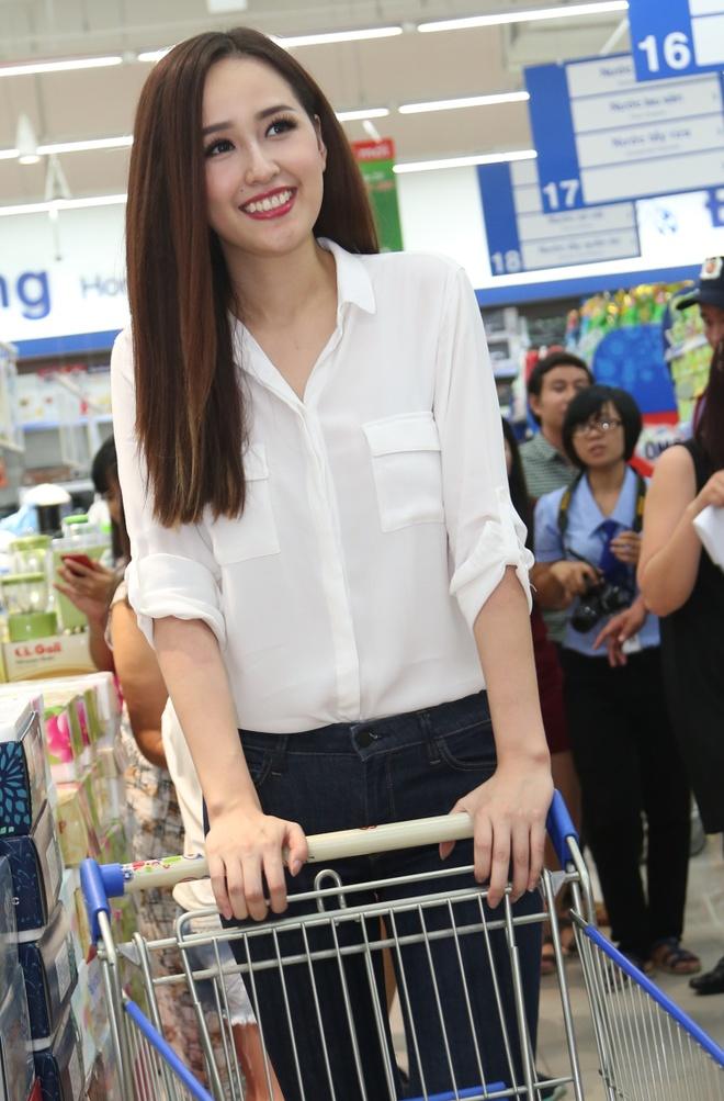 Mai Phuong Thuy mac do don gian du su kien hinh anh 2 s