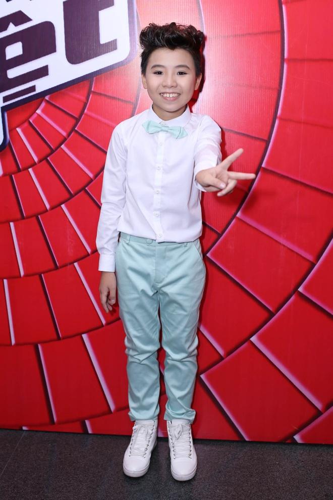 Be 9 tuoi Hong Minh dang quang Giong hat Viet nhi 2015 hinh anh 19