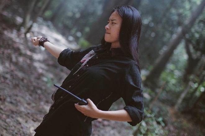 Ngo Thanh Van gai goc tren phim truong 'Tam Cam' hinh anh