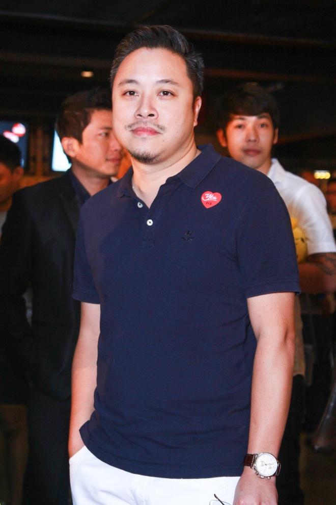 Phan Nhu Thao le bong di xem phim sau le dinh hon dai gia hinh anh 17 s