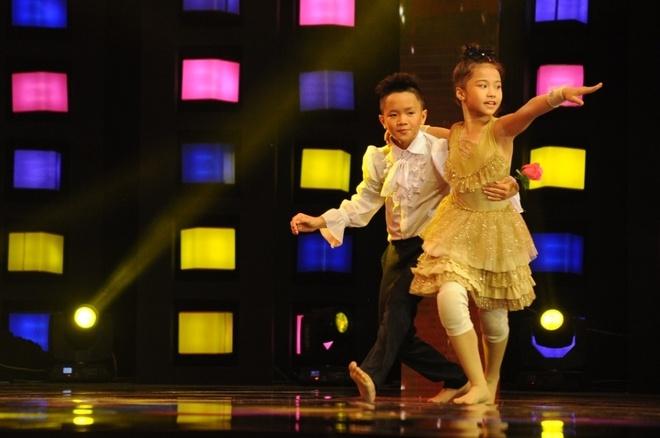 Hot boy nhi trinh dien 'Bang Bang' day lang tu hinh anh 3