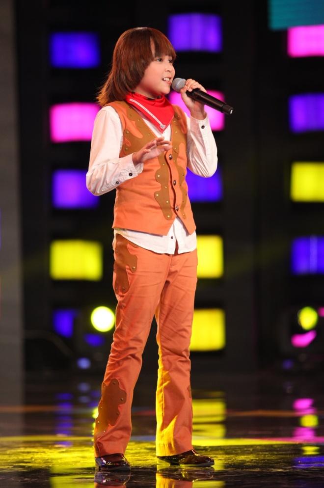 Hot boy nhi trinh dien 'Bang Bang' day lang tu hinh anh 2