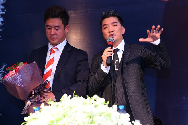 Dam Vinh Hung nhan danh hieu Ngoi sao chau A 2015 hinh anh