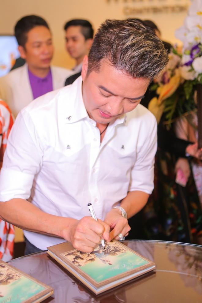 Dam Vinh Hung nhan danh hieu Ngoi sao chau A 2015 hinh anh 8