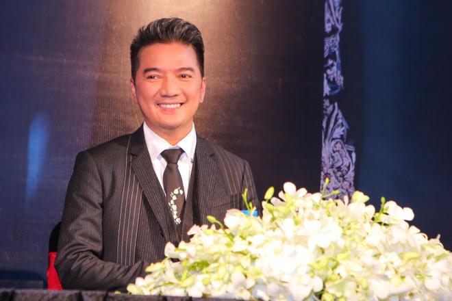 Dam Vinh Hung nhan danh hieu Ngoi sao chau A 2015 hinh anh 2