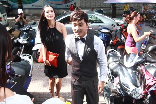 Ung Hoang Phuc cham soc vo mang bau 4 thang o su kien hinh anh 2