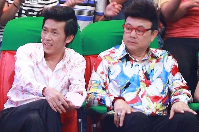 Hoai Linh xuc dong truoc co gai tron gia dinh di thi hat hinh anh
