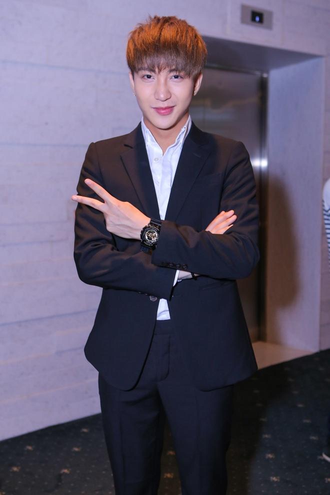 Ho Ngoc Ha tu tay chon phu kien cho MV du muc hinh anh 9