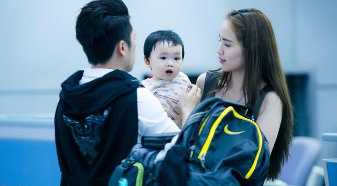 Vo chong Diem Huong dan con trai di huong tuan trang mat hinh anh