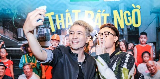Tac gia 'That bat ngo': Noi thang quan diem ve showbiz Viet hinh anh
