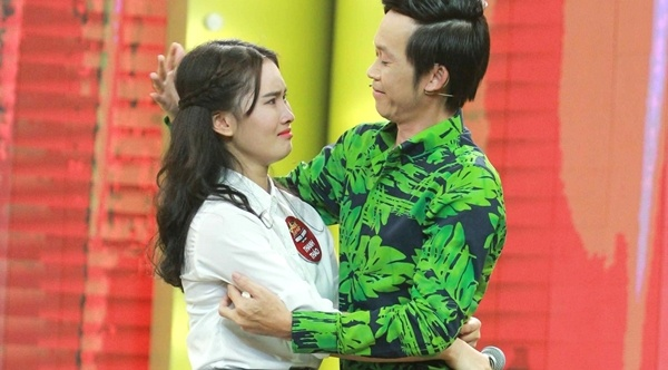 Truong Giang, Hoai Linh xuc dong vi co be ban keo keo hinh anh