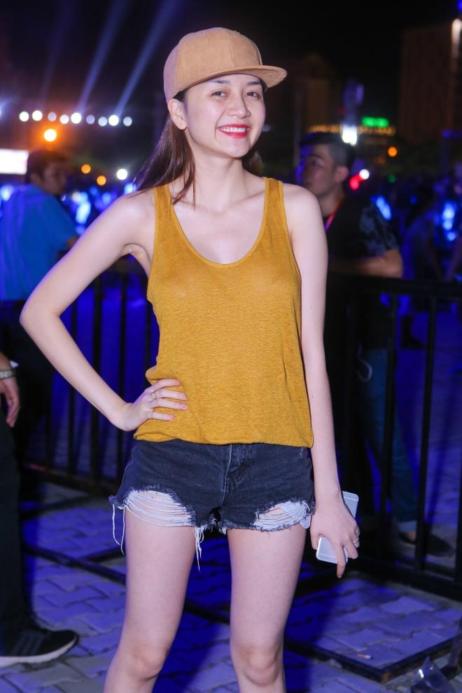 Sao Viet co vu Ha Ho va DJ noi tieng bieu dien hinh anh 7