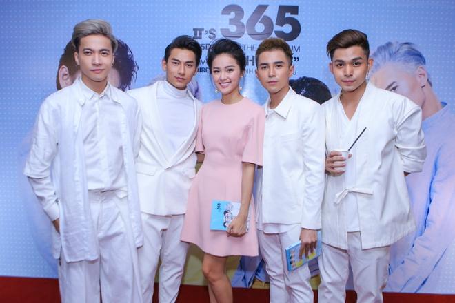 Ha Vi den chuc mung Ngo Thanh Van va nhom 365 hinh anh 1