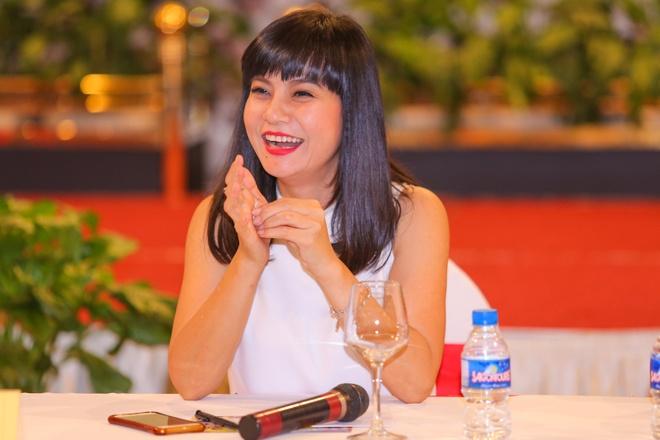 Hoai Linh mang dep le di su kien hinh anh 3 s