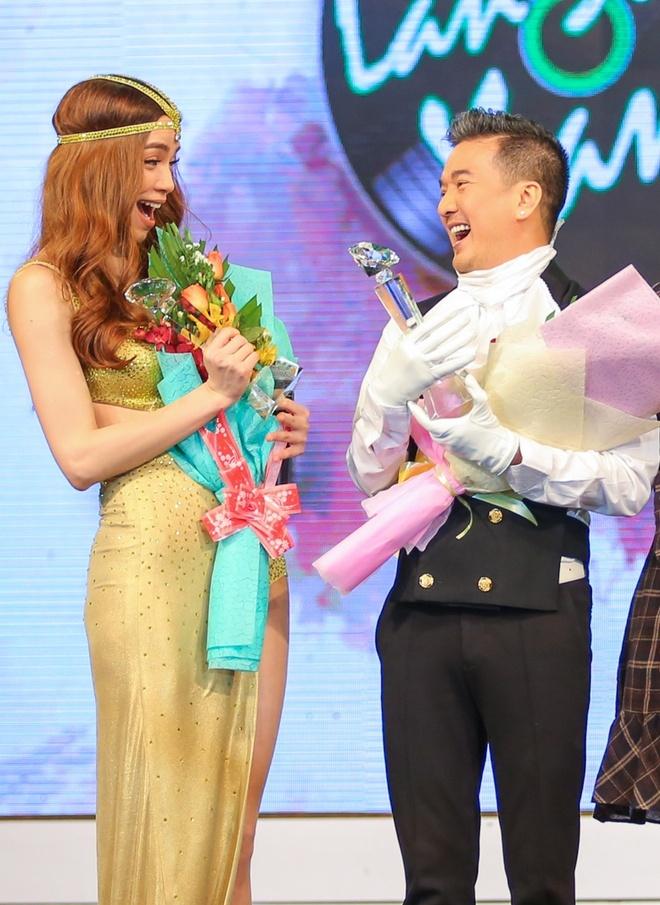 Toc Tien - Hoang Touliver than mat o Lan Song Xanh hinh anh 11