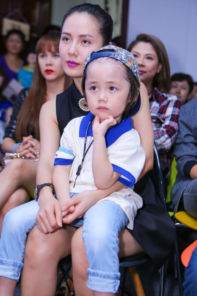 Son Tung M-TP, Thieu Bao Tram mac do giong nhau du su kien hinh anh 5