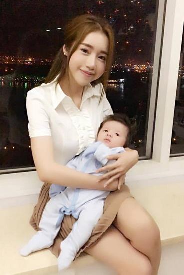 Elly Tran: '9 thang mang thai be thu hai khong de dang' hinh anh 1