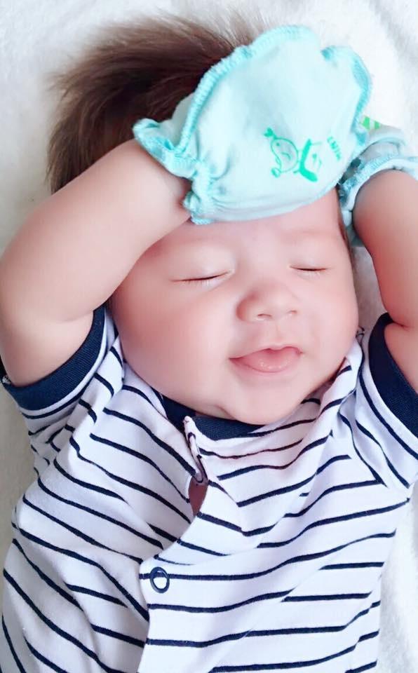 Elly Tran: '9 thang mang thai be thu hai khong de dang' hinh anh 2