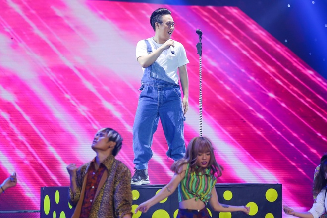 Noo thang dam, Trung Quan ra ve som tai The Remix hinh anh 2