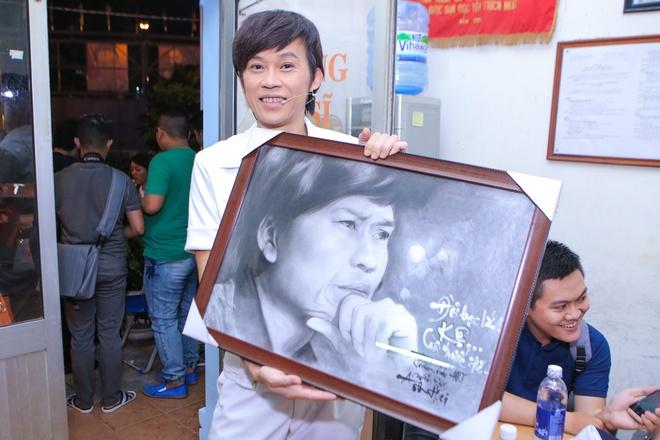 Hau truong vui nhon trong live show  Hoai Linh hinh anh 6