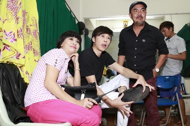 Hau truong vui nhon trong live show  Hoai Linh hinh anh 1