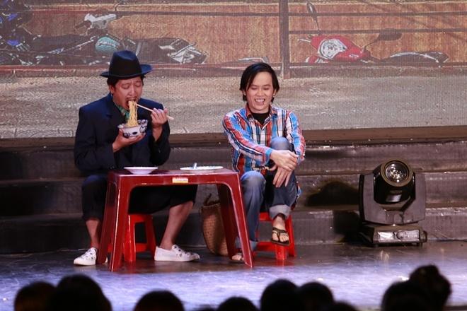 4.000 khan gia chen lan vao xem show Hoai Linh hinh anh 3