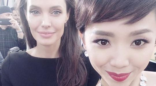 Toc Tien khoe anh chup cung Angelina Jolie hinh anh