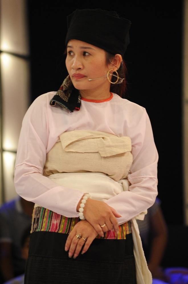 Viet Huong bi to sua mui bang xuong heo hinh anh 3