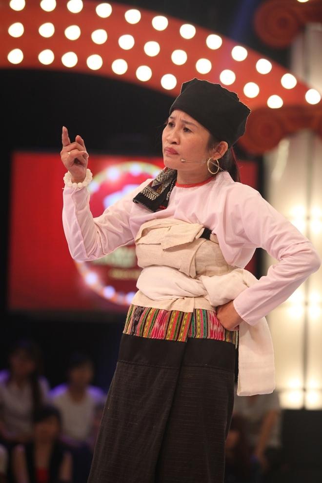 Viet Huong bi to sua mui bang xuong heo hinh anh 4