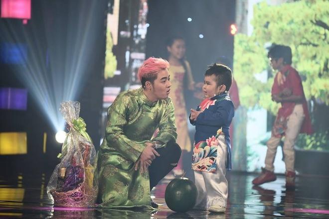 Huynh Anh va hoc tro am 300 trieu dong o Nguoi hung ti hon hinh anh 5