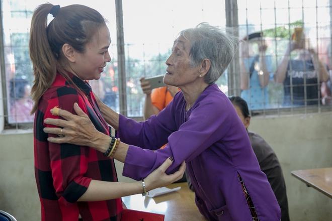 My Tam tang qua nguoi khuyet tat ngheo o Tien Giang hinh anh 8