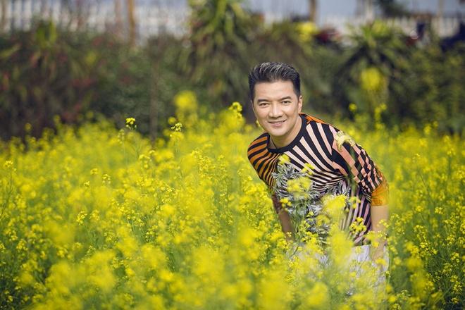 Dam Vinh Hung thu am ca khuc xuan chuoc loi khan gia hinh anh 1