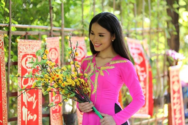Lam Ngoc Hoa ra MV sau 1 nam dang quang Solo cung Bolero hinh anh 1