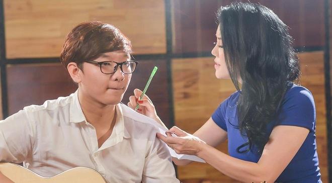 Thu Phuong ho tro hoc tro tung single moi hinh anh