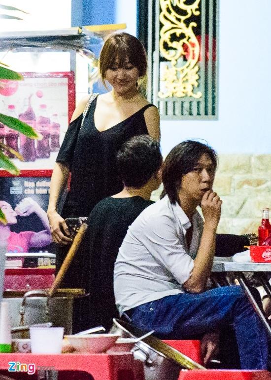 Tran Thanh va Hari Won di an khuya mung ngay Tinh nhan hinh anh 4